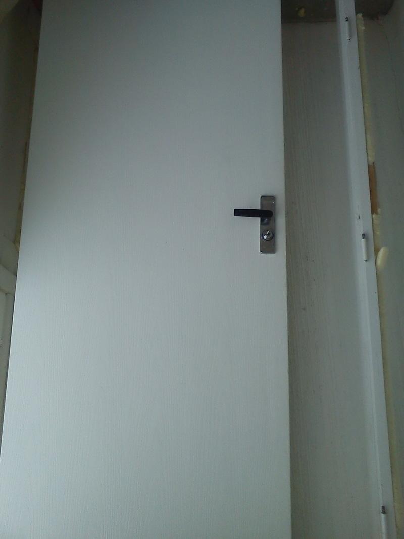 входные двери в квартиру на вернадского
