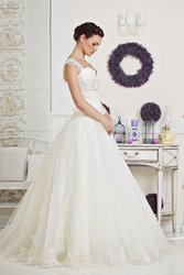 Продажа свадебных платьев фирмы tulipia от 80 до 200 у.е!!!