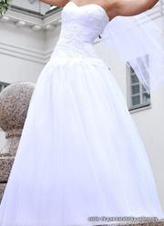 Красивое свадебное платье Florence Carolla.