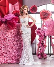 Продам белоснежное кружевное свадебное платье