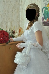 Продам свадебное платье, один раз б.у,  размер 42-46,  в подарок: кольца