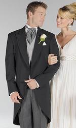 свадебные платья невесты и костюмы  жениха