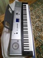 Продам срочно синтезатор Yamaha DGX 530