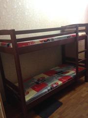 Кровать двухъярустная с матрасами
