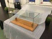 Стеклянные стеллажи,  полки,  витрины для экспонатов Под заказ Изделия любой сложности