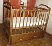 Детская кроватка высокого качества с выдвижным ящиком +матрас