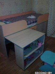 продам кровать чердак с выдвижным столом и ортопедическим матрасом