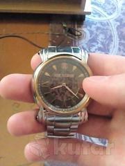 Продам часы срочно