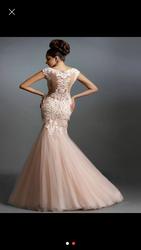 Светлое красивое выпускное платье