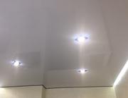 Натяжные потолки,  парящие  потолки и линии.