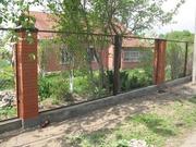Металлические столбы для заборов, заборные секции, сетка рабица.доставка