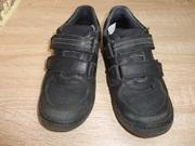 Продам детские кроссовки ортопедические