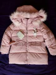 Куртка зимняя (пуховик) для девочки 4-5 лет.