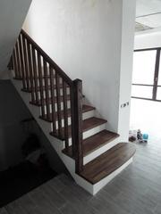 Лестницы из массива дуба. Высокое качество. Гарантия. Выгодная цена.