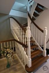 Купить лестницу под заказ любой формы и размеров. Гарантия. Монтаж.