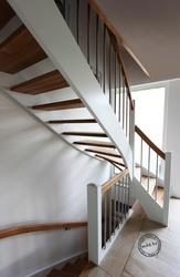 Изготовление и монтаж лестниц под ключ любой сложности. Свое производство.