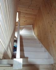 Изготовление лестниц из сосны. Цена Вас приятно удивит. Звоните
