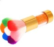 Щеточка-смётка для ногтей фигурная