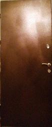 Входная металлическая дверь с двумя замками