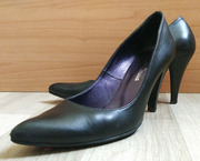 Классические черные туфли на каблуке (размер 37)